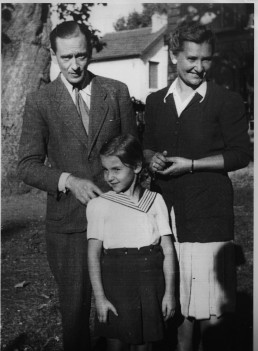 Michel, Juliette et Marina Gorboff,1943 (c) Archives familiales