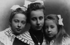 Catherine, Sophie et Marie Gorboff, Rome, vers 1905 Archives familiales (c)