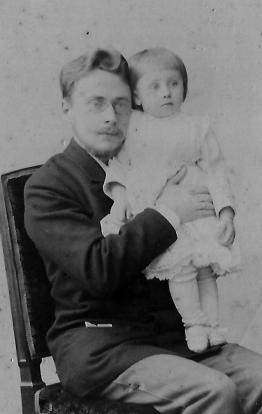 Nicolas Gorboff avec Serge Moscou vers 1900 Archives familiales(c)
