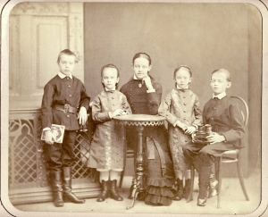 Michel, Lida, Sophie, Olga,Serge Maslov Livny, vers 1880 Archives Masloff (c)